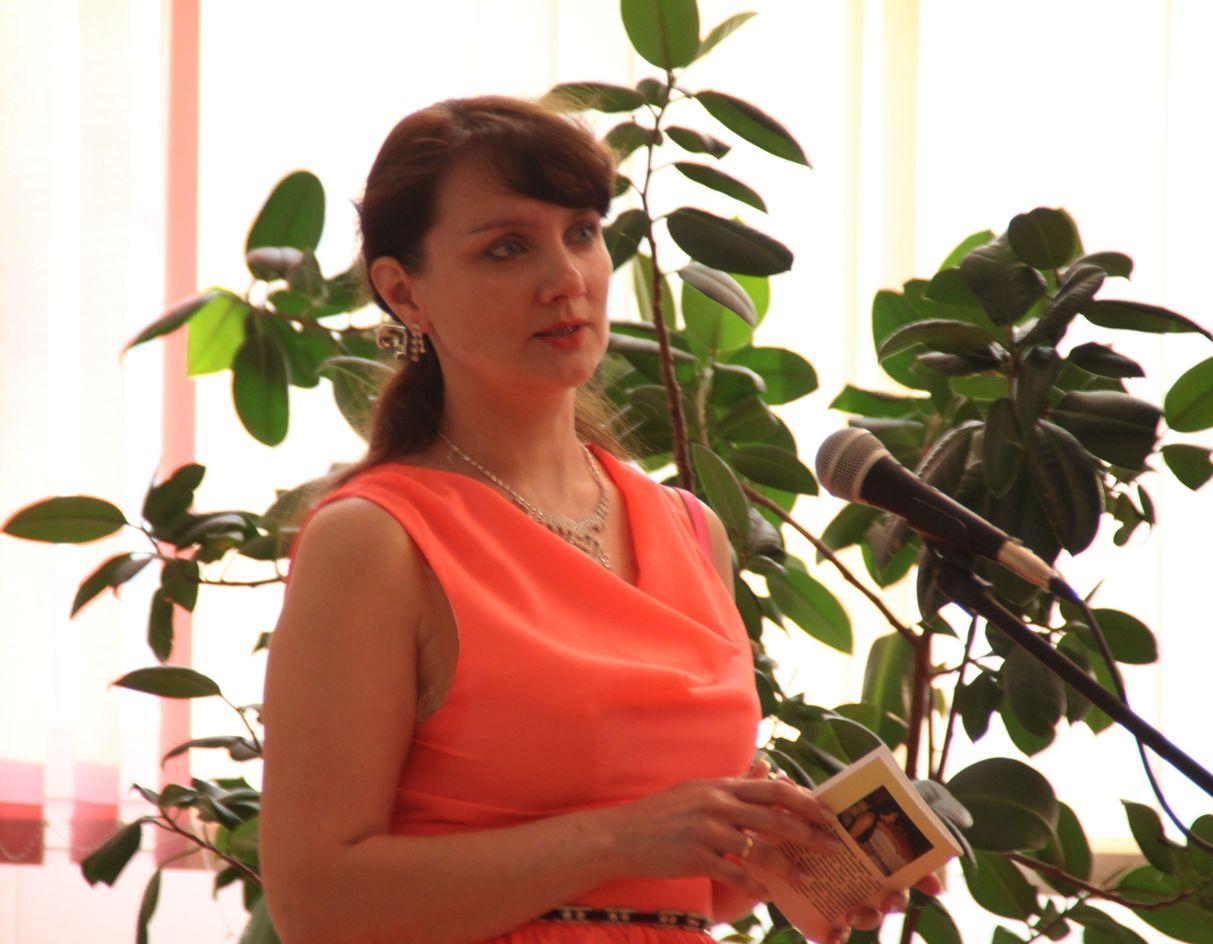 Яна - Лауреат международного журналистского конкурса «Со-Творение» фонда «Русский мир».