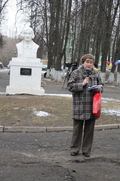 Поэтеса Алла Митрофанова выступила со своими короткими, но веселыми и бодрящими стихами