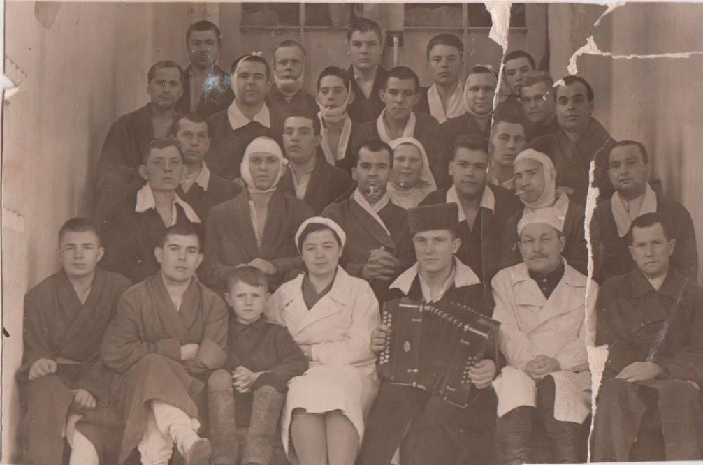 Пациенты десятой палаты (фото из домашнего архива)