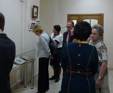 На выставке экслибрисов присутствуют несколько работ владимирской вышивальщицы Клары Сухаревой.