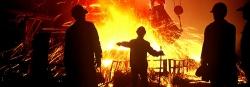 металлуги льют сталь