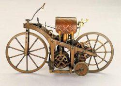 конструкция первого мотоцикла