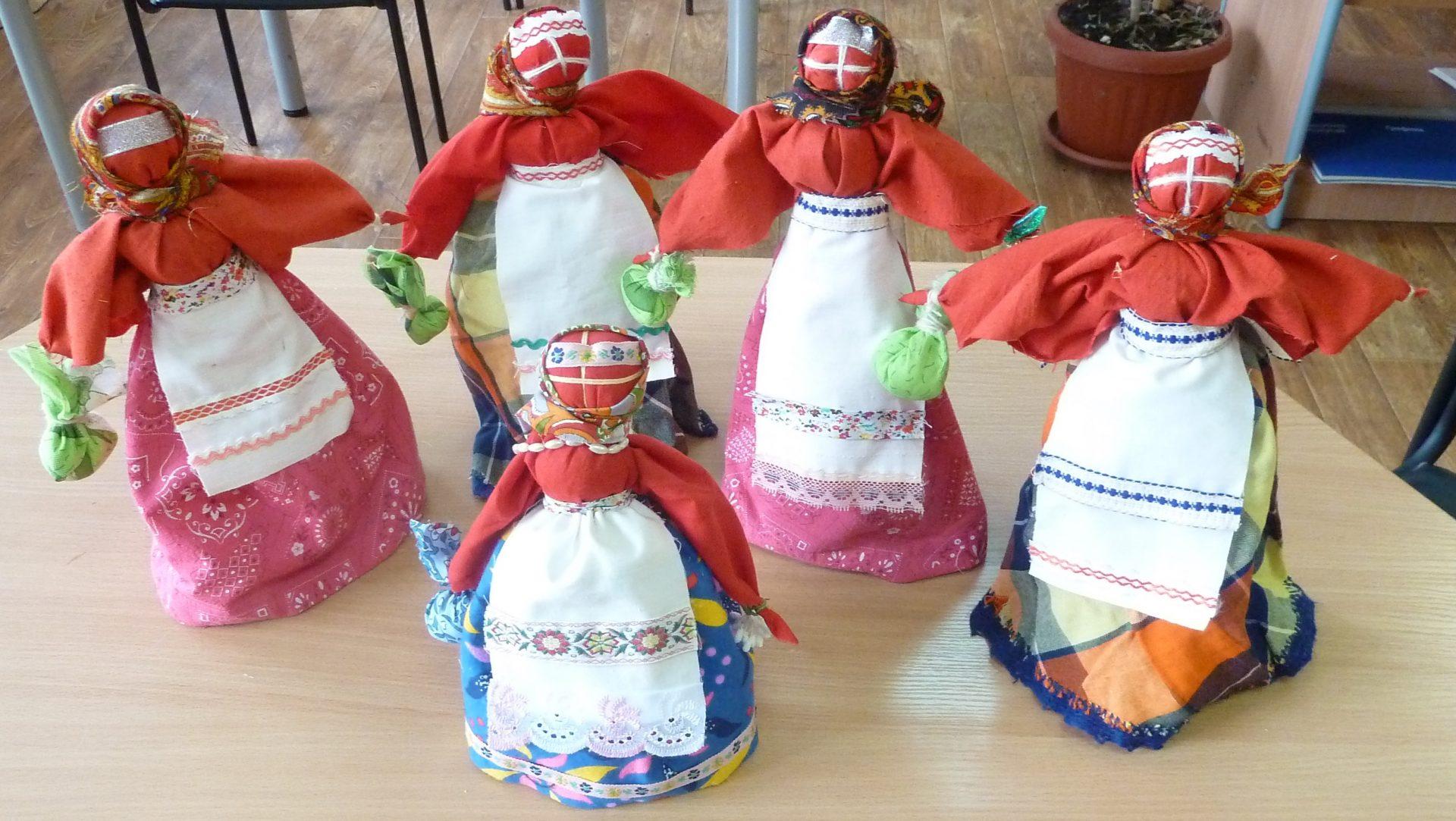 Пасхальные куклы, изготовленные участниками мастер-класса