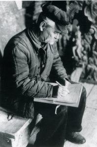 Sychev v Uspenskom sobore vo Vladimire 40-50 gg