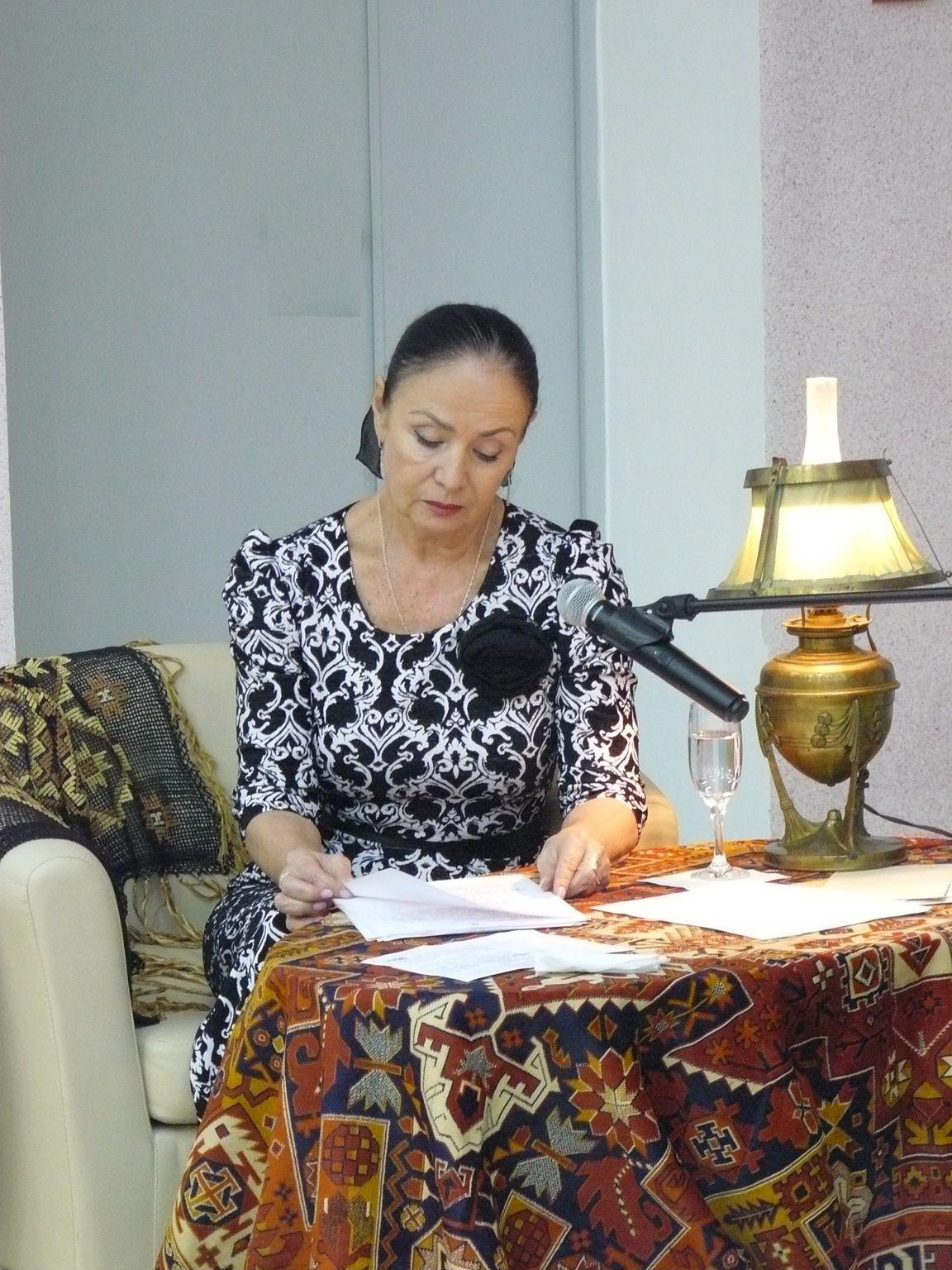 Актриса Лариса Корягина
