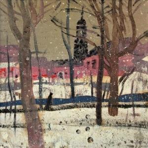 На картине изображен городской пейзаж с деревьями, на заднем плане фигура человека, дома и колокольня