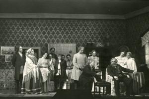 Комедия по пьесе А. Н. Островского «Не в свои сани не садись»
