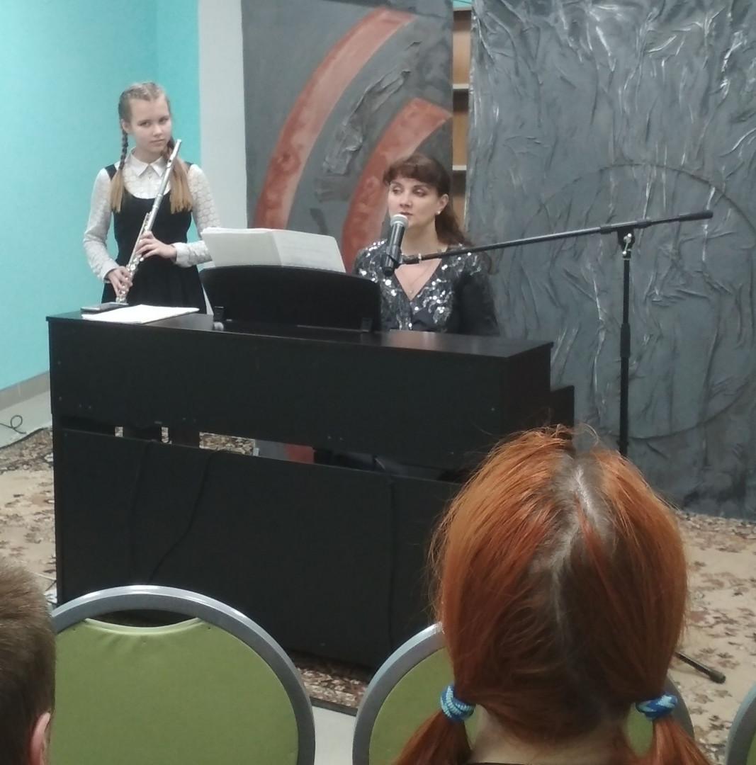 Яна и Настя Тарасовы - флейта и клавесин
