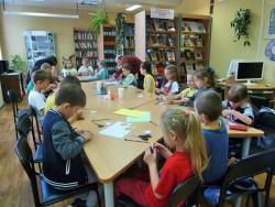 Дети работают с бумагой