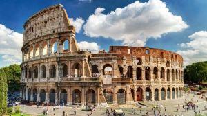 полуразрушенное древнеримское здание