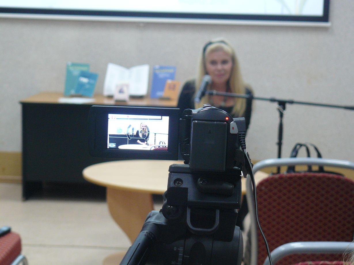 Выступление автора сборника Галины Меньшиковой