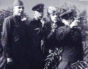 М. Т. Калашников на стрельбах