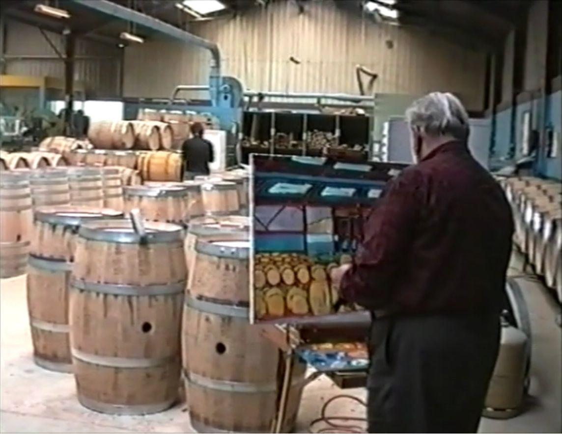 кадр из видео о работе во Франции