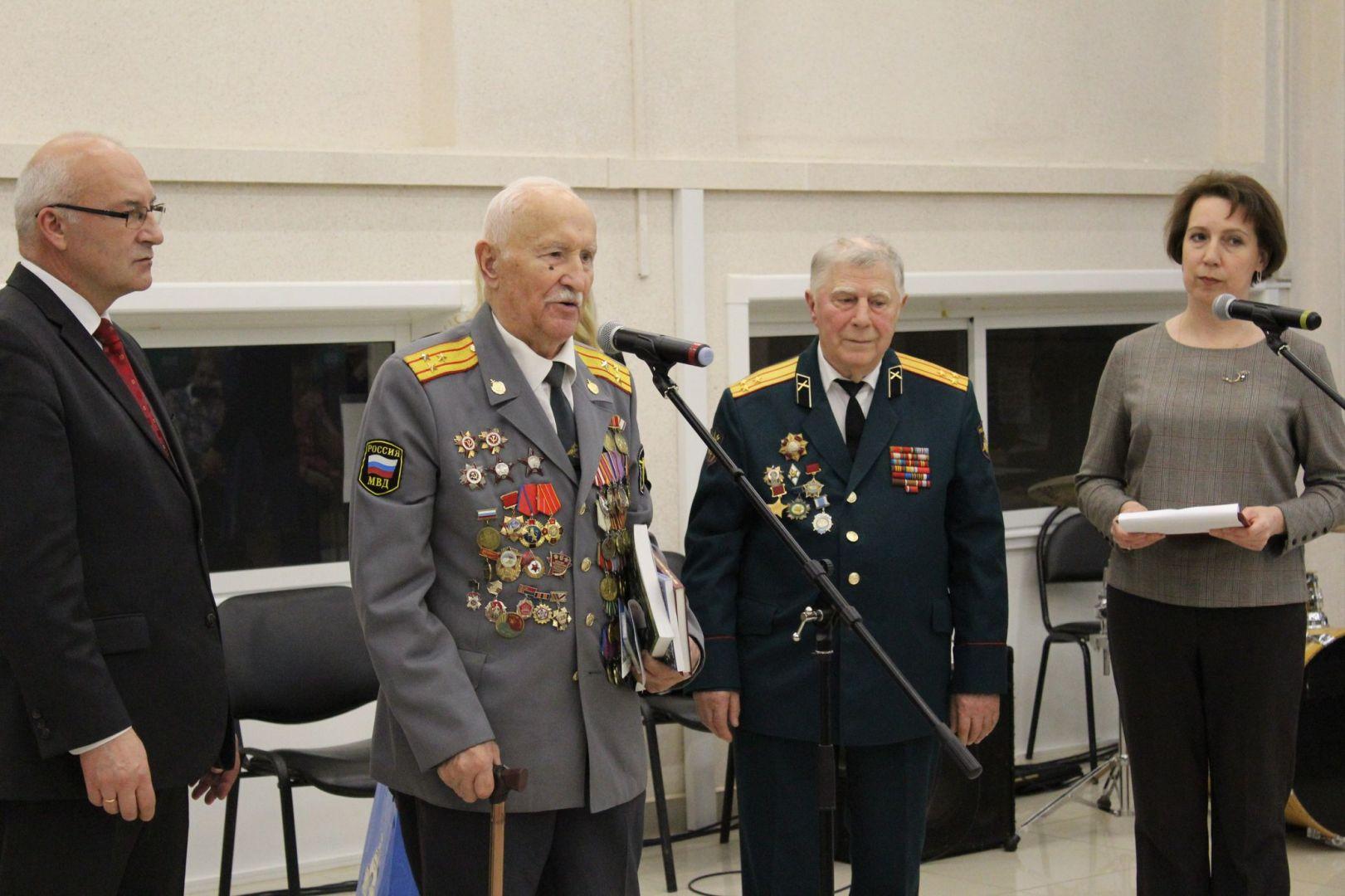Вручение юбилейной медали за освобождение Белоруссии владимирским ветеранам