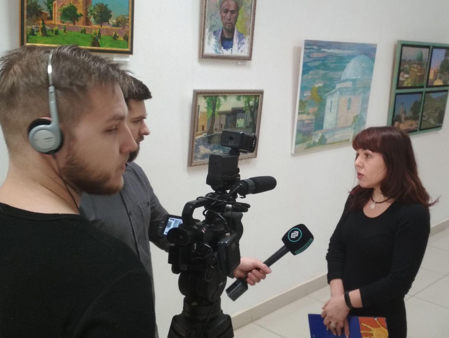 Светлана Суздальцева дает интервью телеканалу Губерния