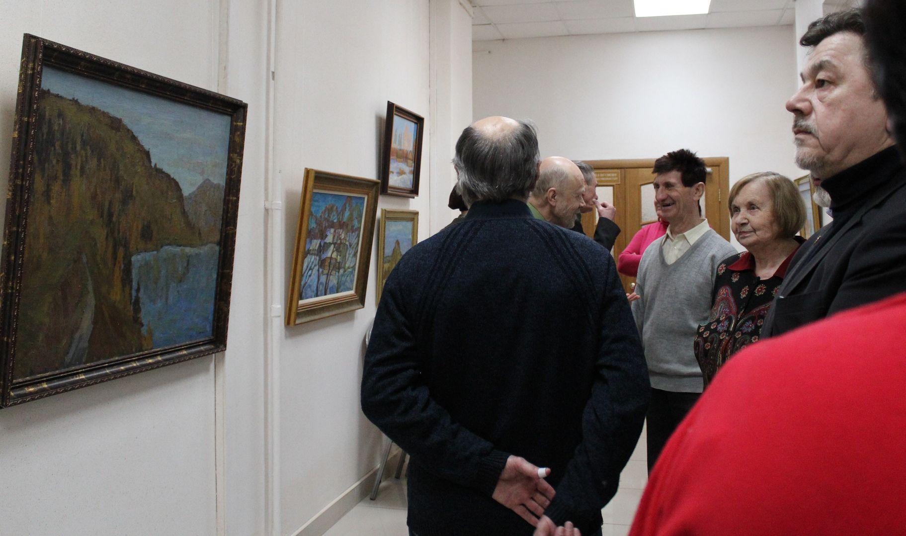 На открытии выставки живописи