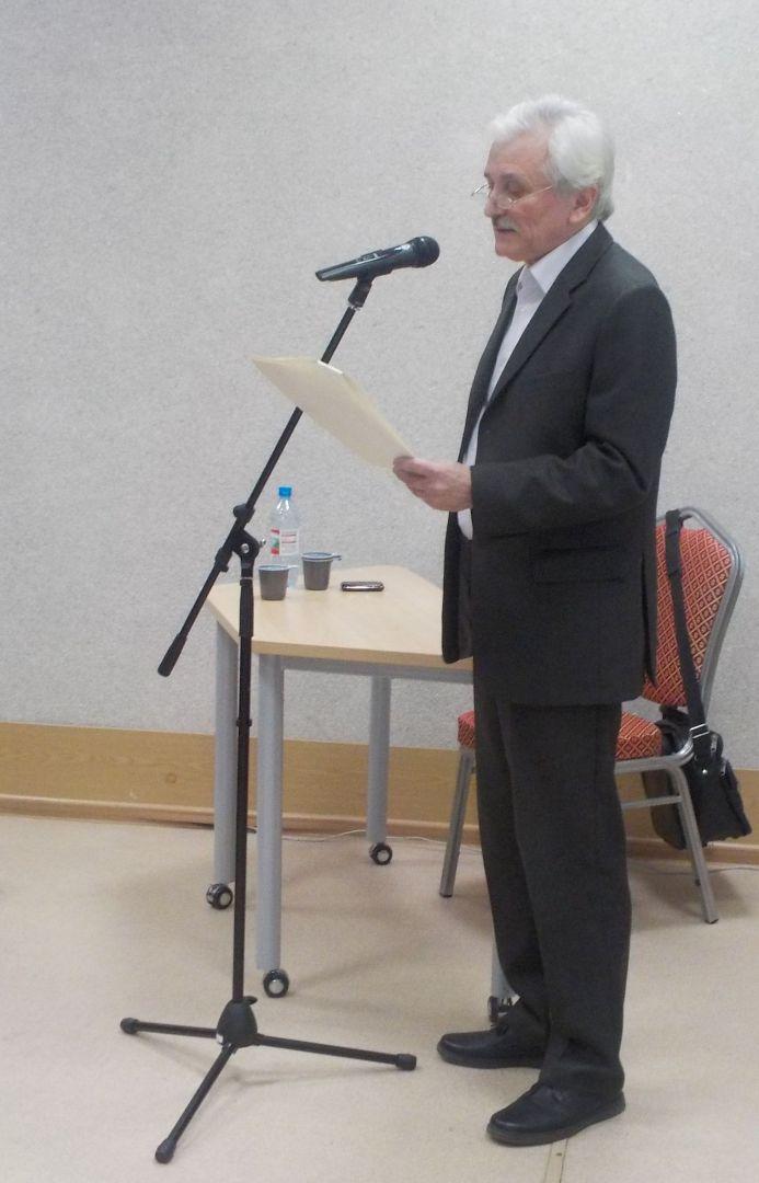 Вадим Забабашкин у микрофона