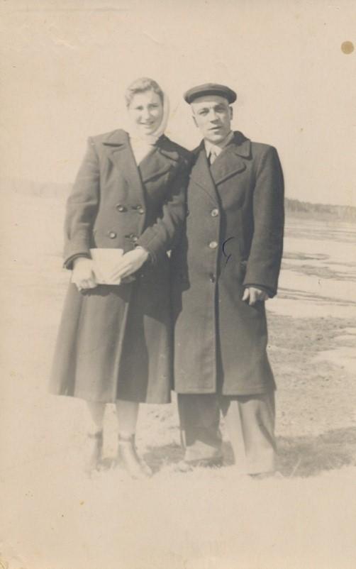 Алексей Степанович Фролов с супругой