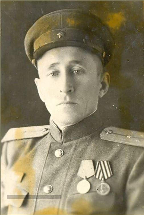 Дмитрий Семенович Кочин. 1945 г.