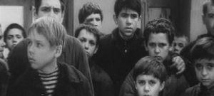 """Кадр из фильма """"Мальчишки ехали на фронт"""""""