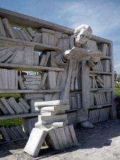 Памятник книге в Нэшвилле