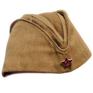 Солдатская пилотка образца1943 г. Отсутсвуют цветные канты, которые есть на офицерских головных уборах.