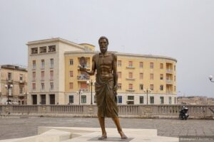 Памятник Архимеду в Сиракузах