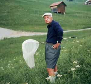 В. В. Набоков в окрестностях швейцарского города Монтрё за ловлей бабочек