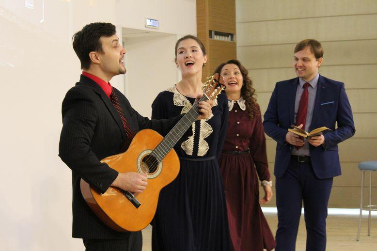Выступление актеров Владимирского театра драмы