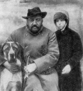 Домашние питомцы русских классиков. А. И. Купирн с дочерью Ксенией и Сапсаном
