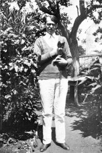 Владисла Ходасевич и его кот Наль. Франция, 1931 г.