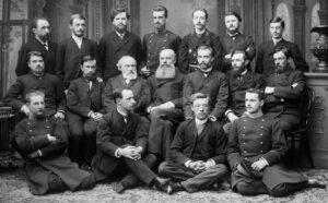 Профессора В. В. Докучаев и А. В. Советов с участниками Полтавской экспедиции