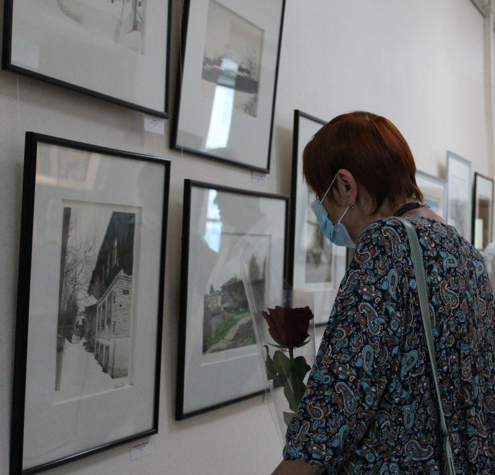 Пейзажи на выставке работ