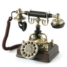 Телефонный аппарат конца XIX-начала XX вв.