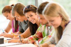 студенты на курсах